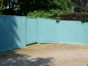 caterham-fencing-04