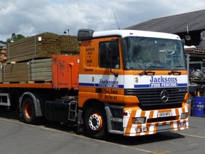 caterham-fensing-jacksons-lorry-02